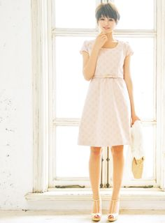 ハイウエスト切り替えで、脚長に見せてくれるドット柄織りワンピース♪ | ファッション コーディネート | with online on ウーマンエキサイト
