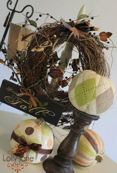 Fall Decorating Ideas {2011} - I Heart Nap Time | I Heart Nap Time - Easy recipes, DIY crafts, Homemaking