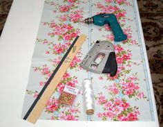 Roman Blind Tutorial in 20 pictures or less...  I just followed this pattern to make a shade for the spare room... worked like a charm!