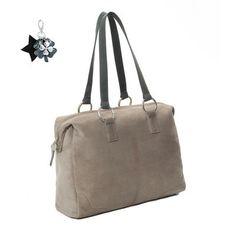 Eva bag is the ideal office bag and handbag because of its enforced laptop compartment. Eva bag is available in different colors and can be customized in your own style. Create your own Eva bag here: http://myown-style.com/product/eva/499/500/409  #Eva #bags #bag #highquality #high #quality #manybrightcolors #many #brightcolors #colors #leather #suede #create #your #own #createyourown #unqiue #elegant #workingbag #working #handbag #handy
