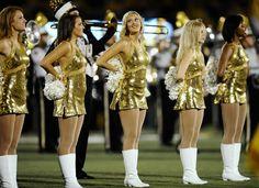 Teen cheerleaders young