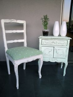 A beautiful vintage chair. Makes any home look classy and stylish !! Love it :)