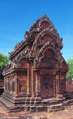 Banteay Srey Temple. Cambodia. https://victortravelblog.com/2012/03/14/banteay-srey-temple-cambodia/                                                                                                                                                                                 More
