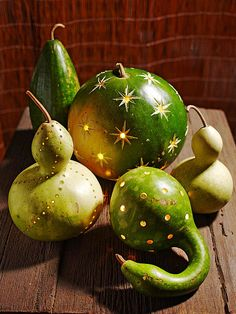 Green gourd lanterns! @Donna Jewell Black