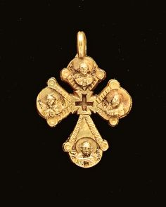 A BYZANTINE GOLD PENDANT CROSS Circa 7th Century A.D. | Christie's