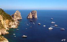 Capri, i Faraglioni. Foto Concetta Vincitorio su Fotografie Turismo Italia.