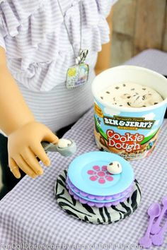 I love the single serving size ice cream containers sold in the grocery store for doll play. To add more play value to the container I added my own clay ice cream.The container is such a great siz…