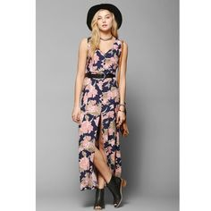 Urban outfitters floral maxi dress! Reverse dress for urban outfitters so called floral maxi dress! Beautiful print and front button closure. Size small. SOLD OUT! Excellent condition! BUNDLE and SAVE! Urban Outfitters Dresses Maxi