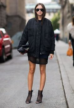 Street Style | Black on Black | Stockholm Streetstyle | Fashion blogger | Visit Travelshopa