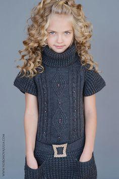 Karina Egorova (born August 13 Karina Egorova (* August) This image has get … Knitting For Kids, Baby Knitting Patterns, Knitting Designs, Diy Crafts Dress, Kids Poncho, Pullover Mode, Sweater Set, Crochet Poncho, Kids Crochet