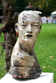 L'Atelier d'Anduze: buste de Gaelle Weissberg Festival de la Céramique d'Anduze