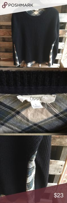 Oddy sweater L GUC I love this sweater. There's minor piling but lots of life left. Thin back of sweater.. flannel pattern but soft thin back. Smoke and pet free home Oddy Sweaters