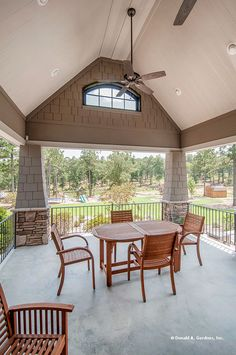 This screened porch