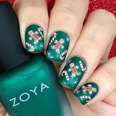 Super festive  and sweet manicure by @sensationails4u!❤️ - Gingerbread & Candy Cane #NailVinyls snailvinyls.com