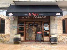 Compartimos las bellísimas imágenes de las instalaciones del restaurante asador cafetería La Tasca en Pontevedra.