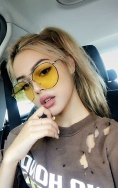 hair-colored hair colors- haarfarben haarfarben hair-colored hair colors - in 2019 Lily Maymac, Actrices Sexy, Beautiful Girl Image, Girls With Glasses, Girls Dpz, Tumblr Girls, Aesthetic Girl, Ulzzang Girl, Girl Photography
