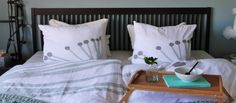 We would like to spoil you with the best and most beautiful bedding and two candlesticks for only DKK 499, – we send free shipping this weekend. http://manostiles.dk/product/sengetoej-og-2-lysestager-hvor-kun-det-bedste-er-godt-nok-941/