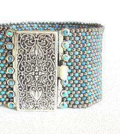 Teal en zilver kralen manchet zilveren kralen armband door beadnurse