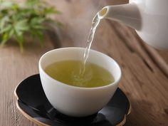 Ideale Fettverbrenner aus der Natur! Grüner Tee und clever kombinierte Heißgetränke helfen beim Abnehmen. So verlieren Sie ganz nebenbei 1