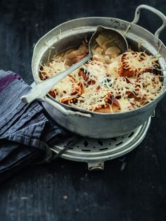 Recette de soupe gratinée à l'oignon par Julie Andrieu