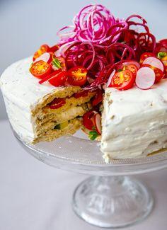 Vegetarisk smörgåstårta och festlig plockbuffé med Crème Bonjour - ZEINAS KITCHEN