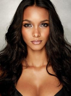 BEAUTIFUL BLACK Lais Ribeiro (Brazilian Model) - While the fashion industry and mainstream media will have you believe that Brazilians are white-skinned, like model Gisele Bündchen, much of the country is brown and beautiful like model Lais.