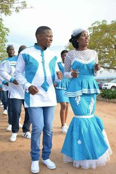 Shweshwe Traditional Wedding Dresses For South African - Fashion African Traditional Wedding Dress, Traditional African Clothing, Traditional Wedding Attire, Wedding Dresses South Africa, African Wedding Attire, African Attire, African Dresses Men, African Shirts, African Clothes