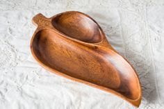 Vintage Mod Wood Leaf Bowl Tray - Hand Carved Wooden Tray - Wood Bowl