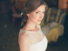 Escote ilusión novia de Fandi - http://www.bodas.net/fotografos/fandi--e12423/fotos/5