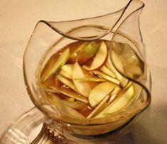 apple cider sangria (so good!) / color me caitie