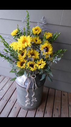 Large sunflower milk can by Memories in Bloom, Chehalis can find Memories and more on our website.Large sunflower milk can by Memories in Bloom, Chehalis Country Decor, Rustic Decor, Farmhouse Decor, Milk Can Decor, Old Milk Cans, Milk Jugs, Deco Floral, Porch Decorating, Decorating Ideas