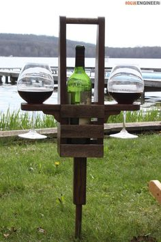 DIY Outdoor Wine Caddy Plans - Free Plans | http://rogueengineer.com #OutdoorWineCaddy #OutdoorDIYplans