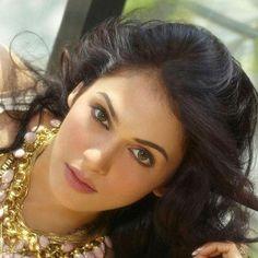 Isha Koppikar looks absolutely gorgeous Julie Walters, Absolutely Gorgeous, Beautiful, Bollywood Actress, Actresses, Actors, Film, Instagram, Indian