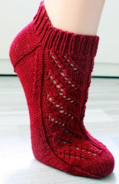 Milly pattern by Trude Hertaas - - Milly pattern by Trude Hertaas tossukat Ravelry: Milly pattern by Trude Hertaas Knitted Socks Free Pattern, Knitted Slippers, Crochet Slippers, Knitted Gloves, Knit Or Crochet, Knitting Patterns Free, Knitting Tutorials, Crochet Granny, Stitch Patterns