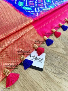 Saree Kuchu New Designs, Chudi Neck Designs, Saree Tassels Designs, Lehenga Saree Design, Pattu Saree Blouse Designs, Hand Work Blouse Design, Stylish Blouse Design, Embroidery Fashion, Hand Embroidery