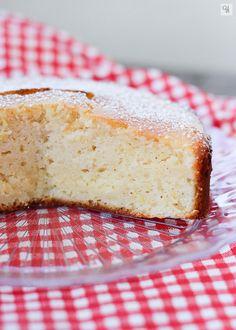 Una receta de tarta de desayuno muy fácil y con un ingrediente riquísimo