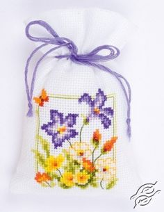 Thrilling Designing Your Own Cross Stitch Embroidery Patterns Ideas. Exhilarating Designing Your Own Cross Stitch Embroidery Patterns Ideas. Mini Cross Stitch, Cross Stitch Cards, Simple Cross Stitch, Cross Stitch Rose, Counted Cross Stitch Kits, Cross Stitch Flowers, Cross Stitch Embroidery, Easy Cross Stitch Patterns, Cross Stitch Designs