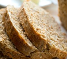 This hearty multi-grain sandwich bread is full of all kinds of nutritious grains---it's soft texture and homemade flavor is better than the bakery! Bread Machine Recipes, Easy Bread Recipes, Quick Bread, Cooking Recipes, Amish Recipes, Bread Bun, Bread Rolls, Korn, Paleo Biscuits