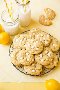 Move over chocolate chip cookies, you've got a new competitor! These cookies are dedicated to people like my sister, who strangely enoughdon't like milk/s
