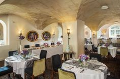 Gorgeous wedding set-up in Cloisters