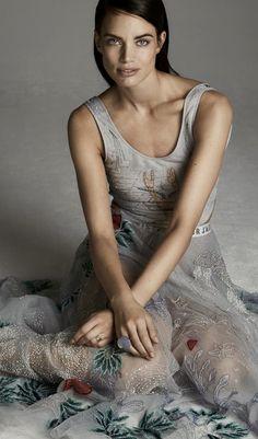 Christian Dior Fashion D, Dior Couture, Christian Dior, Designers, Gray, Chic, Shabby Chic, Grey, Elegant