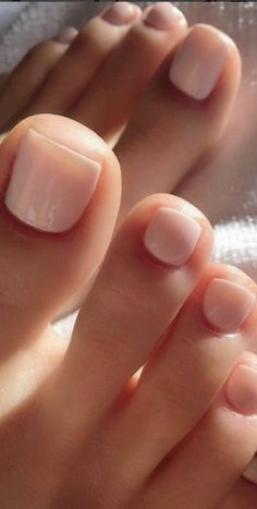 toe nails \ toe nails + toe nails summer + toe nails designs + toe nails colors + toe nails white + toe nails ideas + toe nails spring + toe nails with rhinestones Pretty Toe Nails, Cute Toe Nails, Pretty Toes, Beautiful Toes, Beautiful Pictures, Hair And Nails, My Nails, Dark Nails, Toe Nail Color