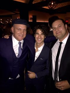 @Mr_Max_Adler: @GLEEonFOX reunion at the @SullyMovie Premiere in NY! With @TheMikeOMalley & @DarrenCriss
