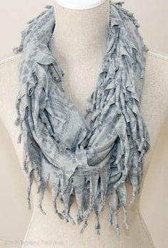 Pale Grey Pattern Short Knotted Scarf