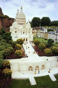 12 Most Realistic Lego Sculptures (realistic sculptures) - ODDEE