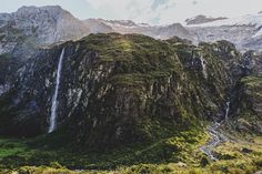Oh boy it's Rob Roy   Pic: @kristazerbs  _______________________________  #robroy #glacier #autumn #nz #travel #newzealand #kiwi #instatravel #travelgram #landscape #nature #northisland #southisland #aotearoa #scenery #sceneryporn #beautiful #breathtaking #ourplanetdaily #neverstopexploring #lonelyplanet #splendid_earth #tourtheplanet #beautifuldestinations #igbest_shotz #naturelovers #roamtheplanet #worldshotz #wanderlust #openmyworld