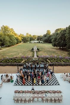 The Allure of the Outdoor Wedding - French Wedding Style Outdoor Wedding Reception, Outside Wedding, Wedding Venues, Wedding Designs, Wedding Styles, Summer Wedding, Dream Wedding, Snapshot Photography, White Rose Bouquet