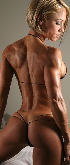 Jamie Eason Is by far one of the Hottest female Fitness Models. Check Scabenga.co.uk for more.