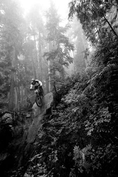 Snowboarding In The Clouds Mountain Bike Downhill, Downhill Bike, Mtb Bike, Cycling Bikes, Road Bikes, Cross Country, Mtb Trails, Bike Photography, Bike Parking