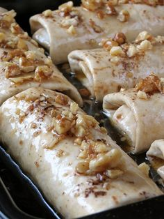 45 minutes · Vegetarian · Serves 6 · Try these amazingly delicious apple enchiladas drizzled with sugar syrup and topped with crunchy walnuts! Fruit Recipes, Apple Recipes, Mexican Food Recipes, Sweet Recipes, Cooking Recipes, Recipies, Mexican Desserts, Mexican Buffet, Freezer Recipes